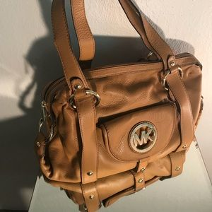 Carmel Leather Michael Kors Purse / Gold accented